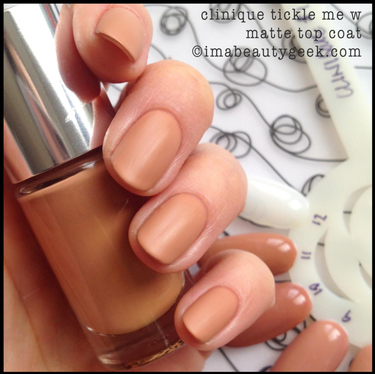 Clinique Nail Polish Nude Tickle Me w Matte Top Coat