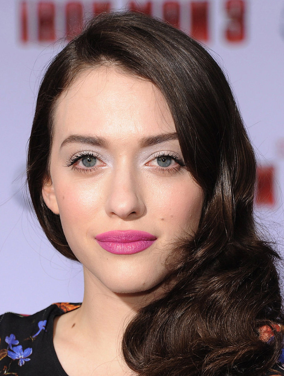 Kat Dennings pastel eyes pink lips