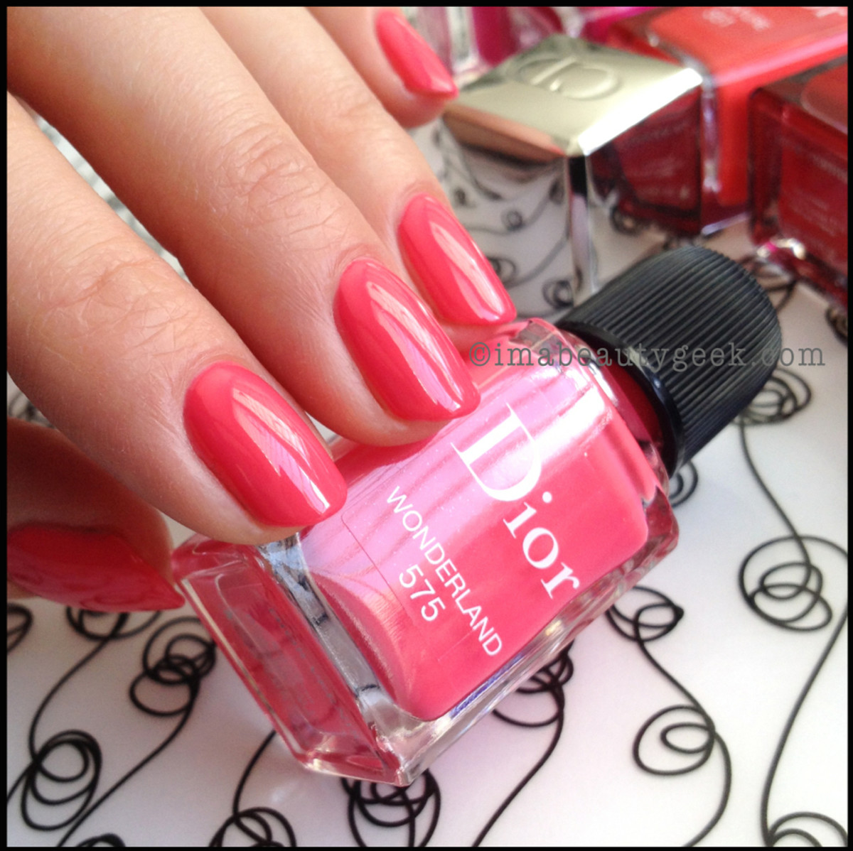 Dior polish Wonderland 575_Dior Gel Shine