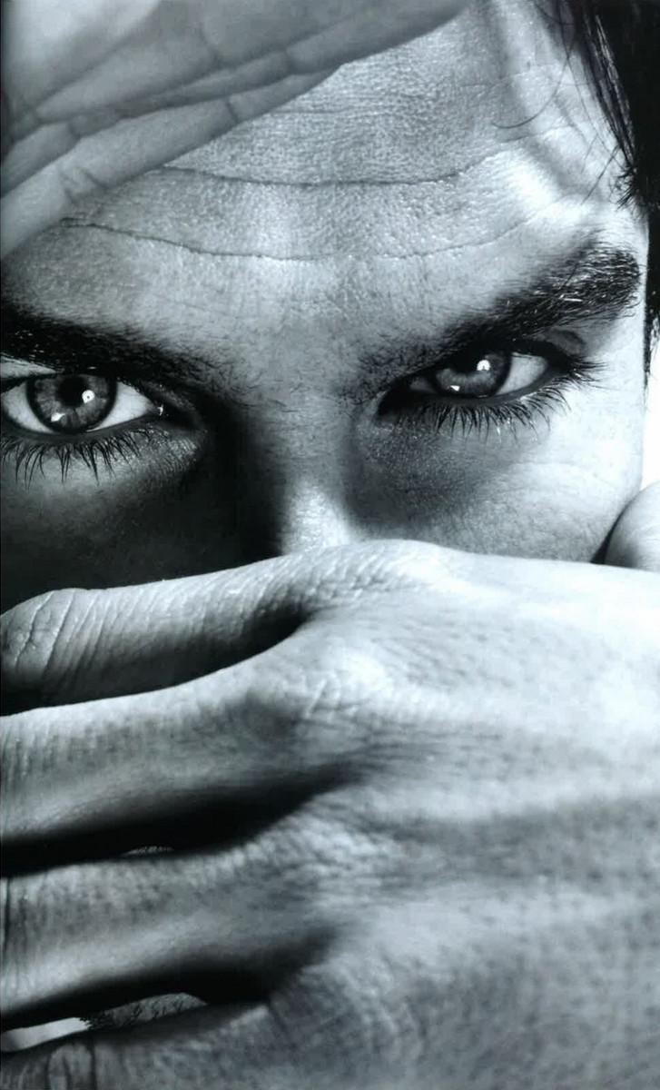 Ian Somerhalder peek-a-boo eyes