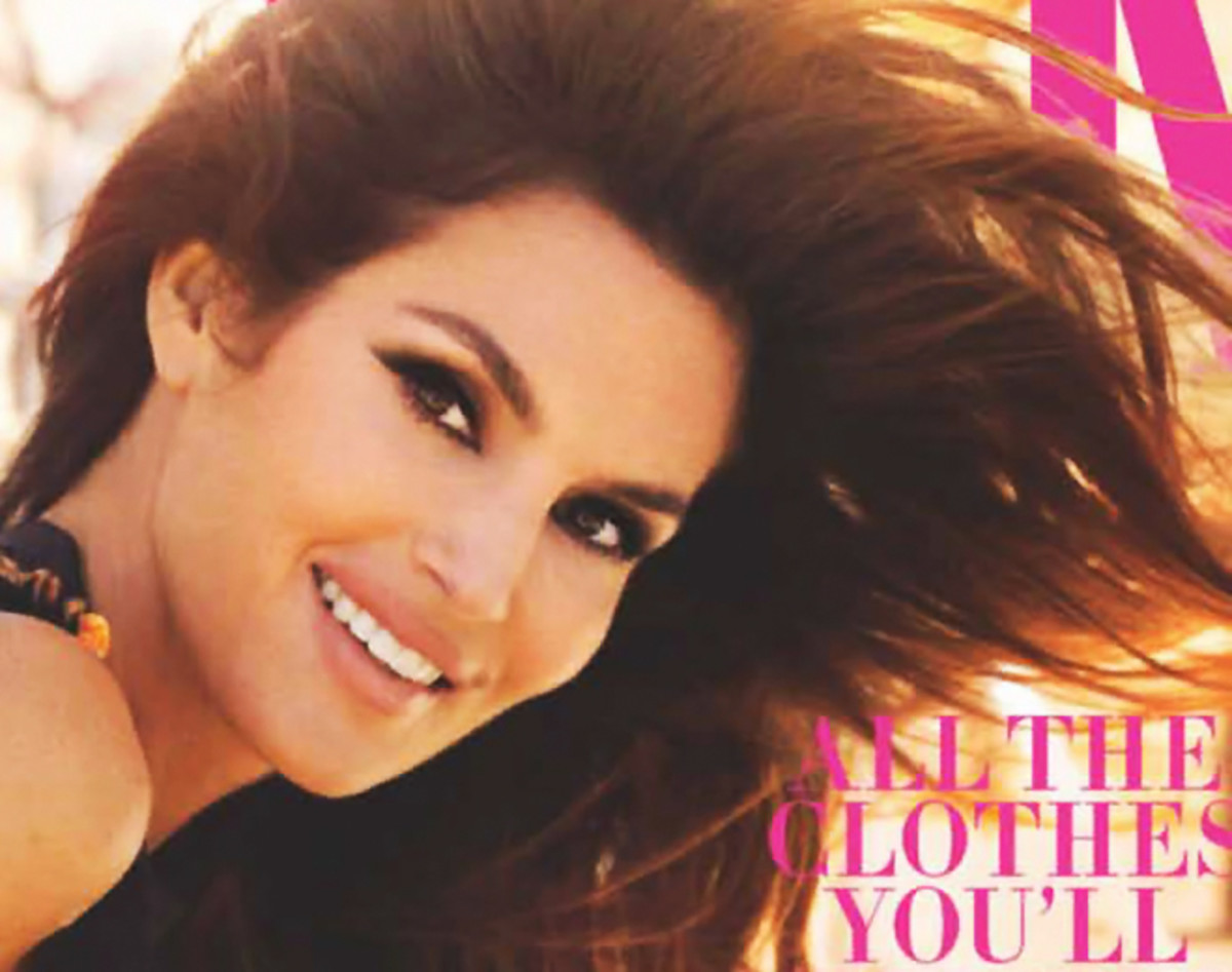 Cindy Crawford looks like Raquel Welch
