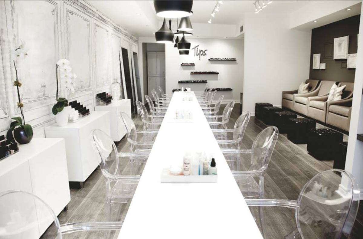 Toronto Public Health BodySafe Pass story_Tips Nail Bar interior 2