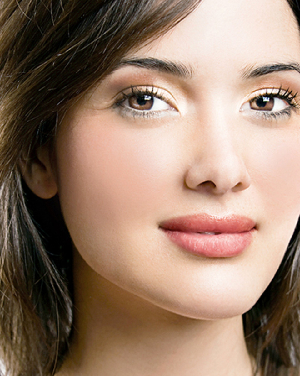Vasanti Cosmetics Go Canada! beauty shot