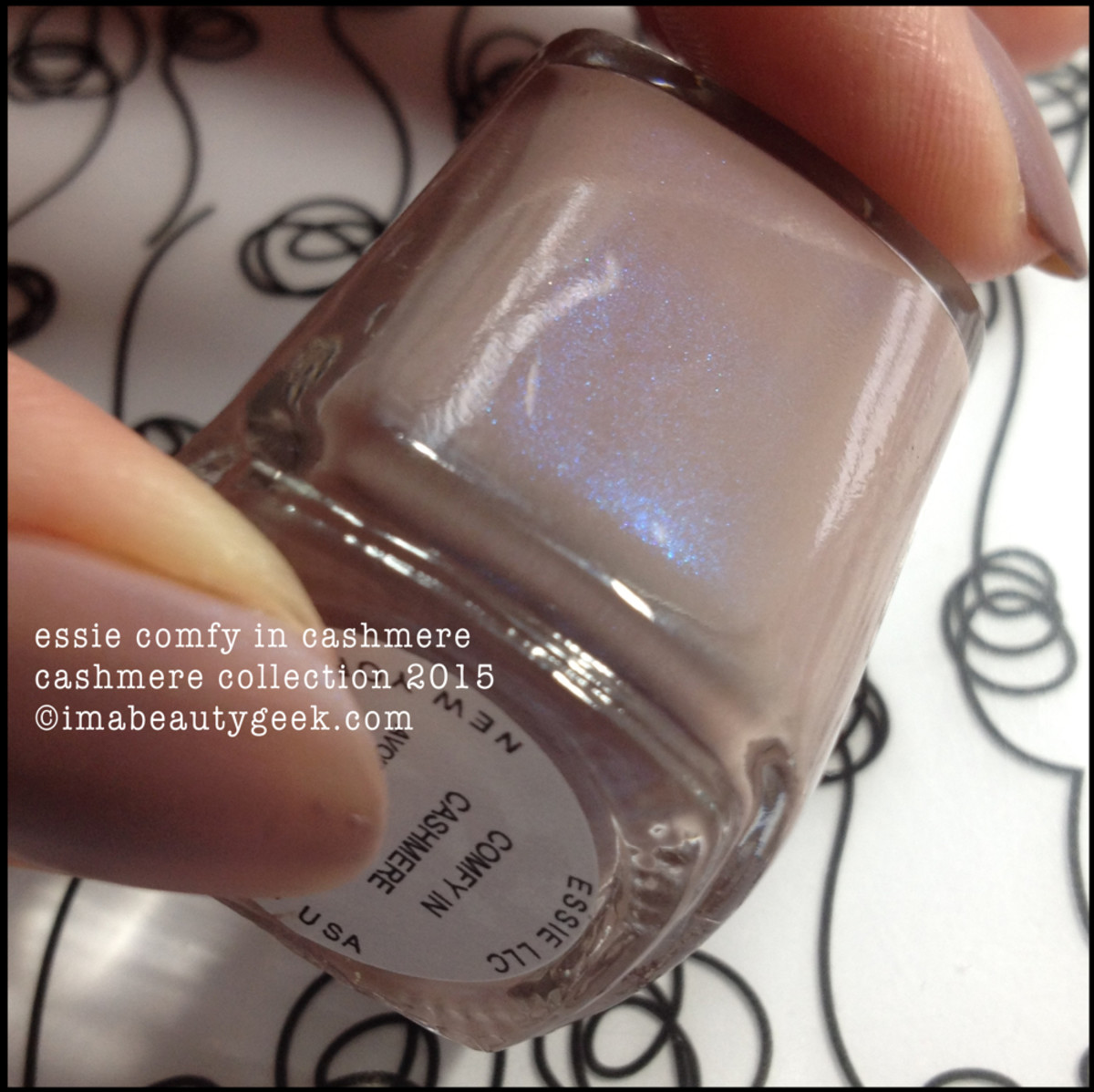 Essie Comfy in Cashmere Bottle Shot