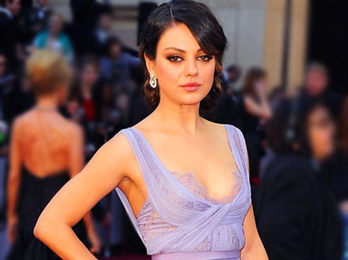 MilaKunis_Oscars2011_2