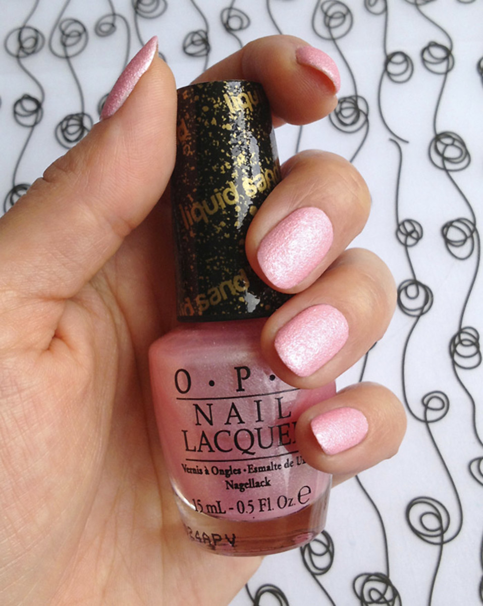 OPI Pussy Galore Liquid Sand - The Bond Girls Collection