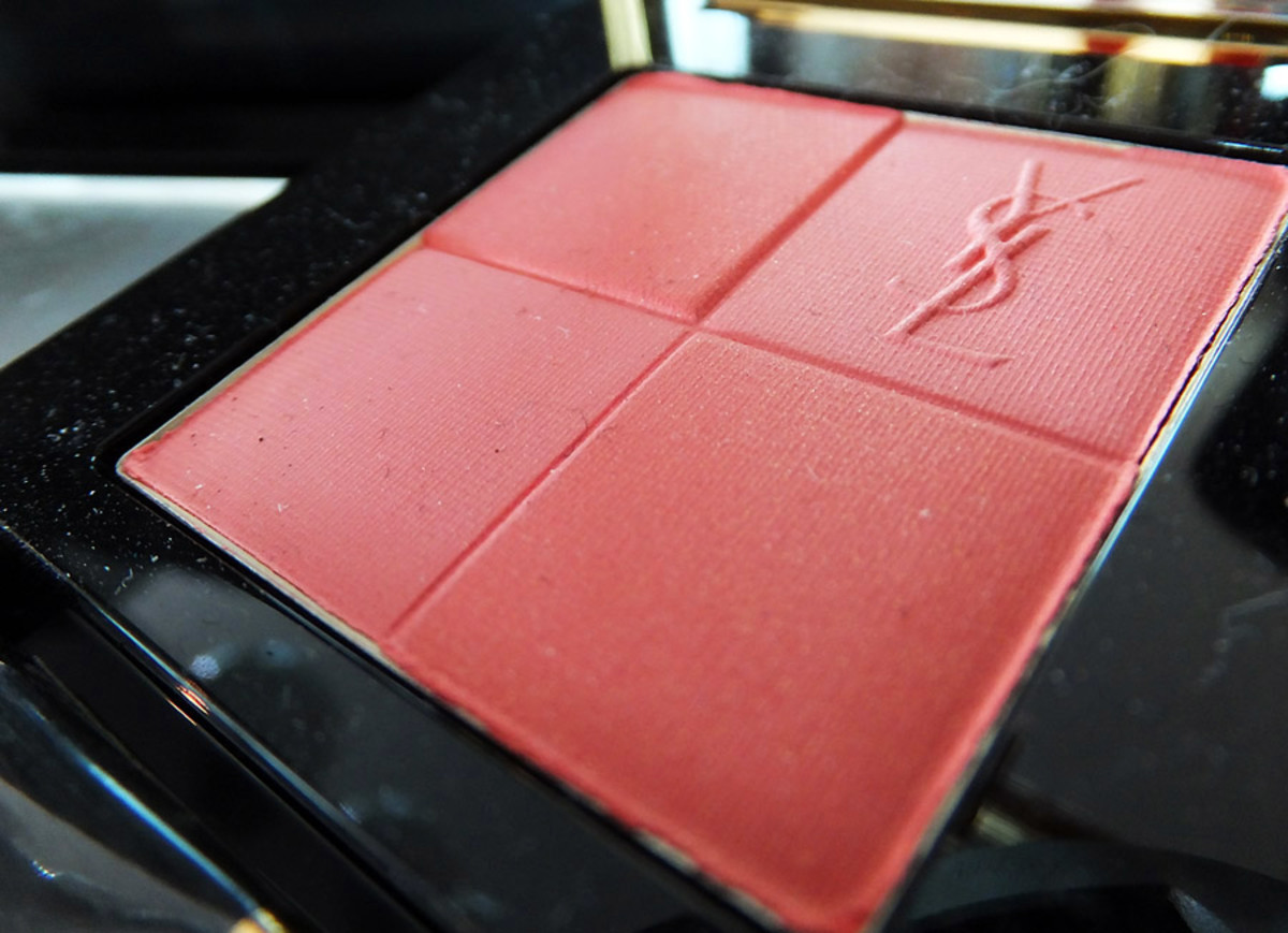 YSL Fall 2013 makeup_Radiant Blush 09