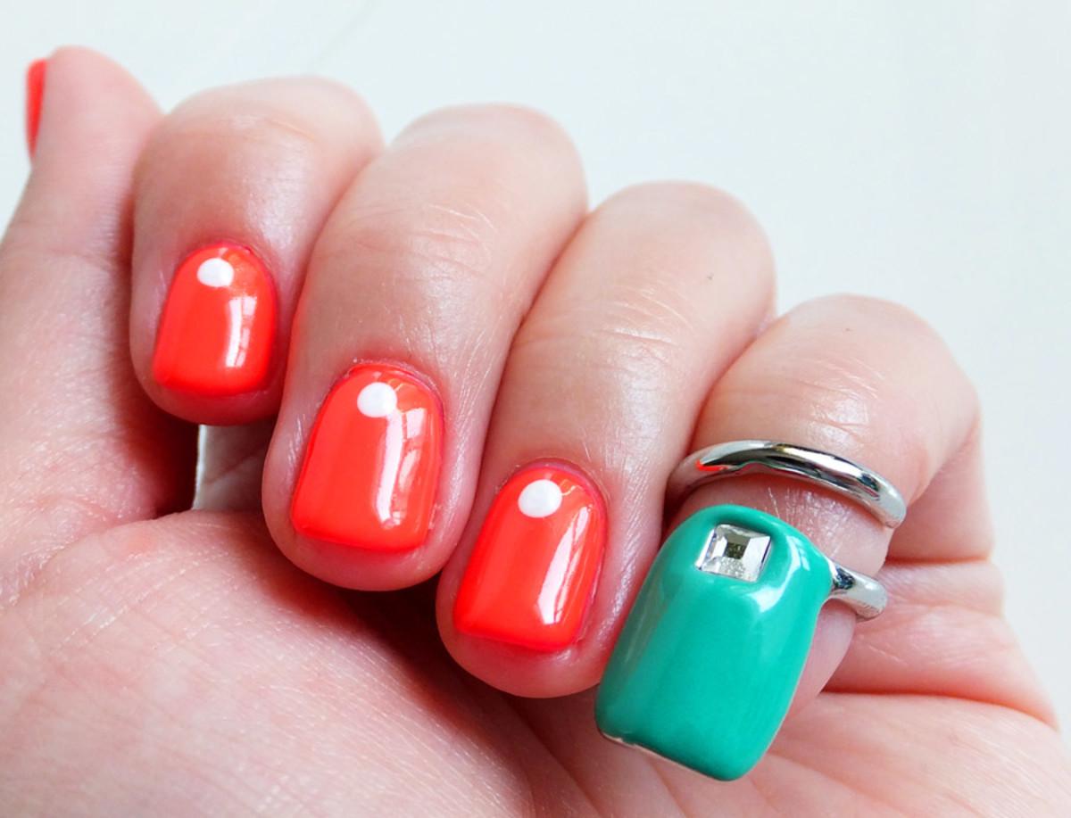 Sephora + Pantone Emerald Tip Nail Ring and dot mani by Melissa at Tips2
