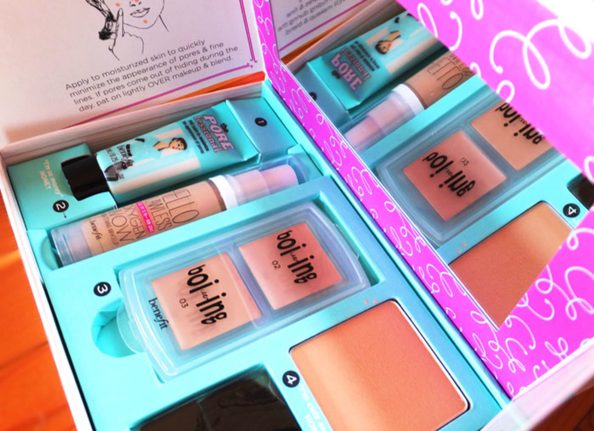 Benefit Complexion Kit_How to Look the Best at Everything in Medium_open_mirror