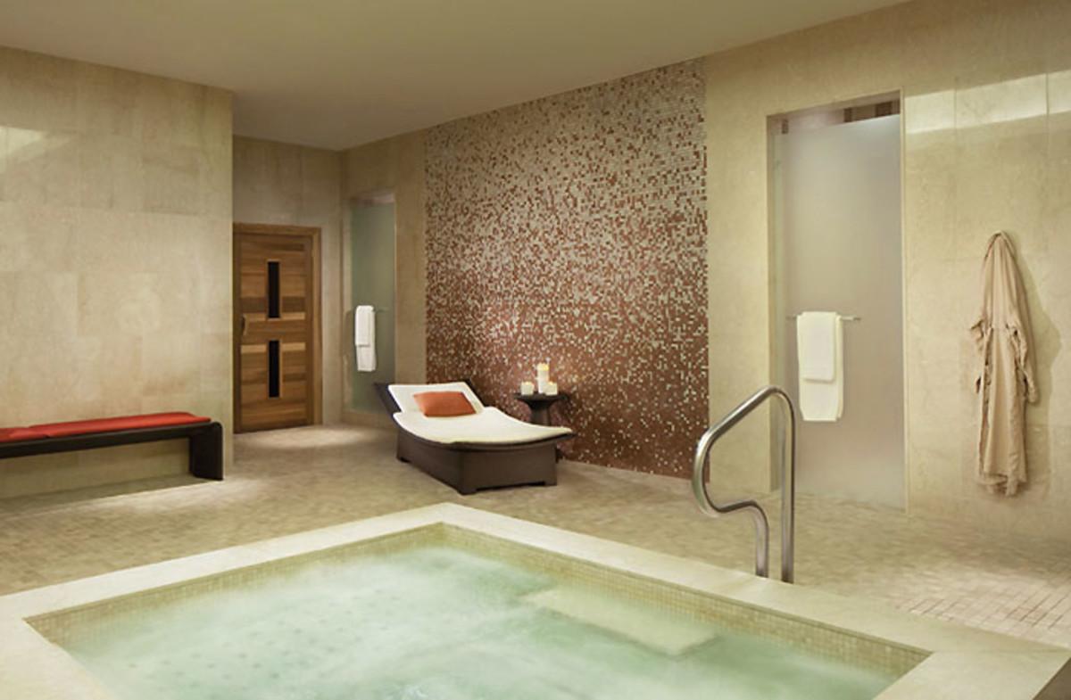 Ritz-Carlton Toronto_whirlpool