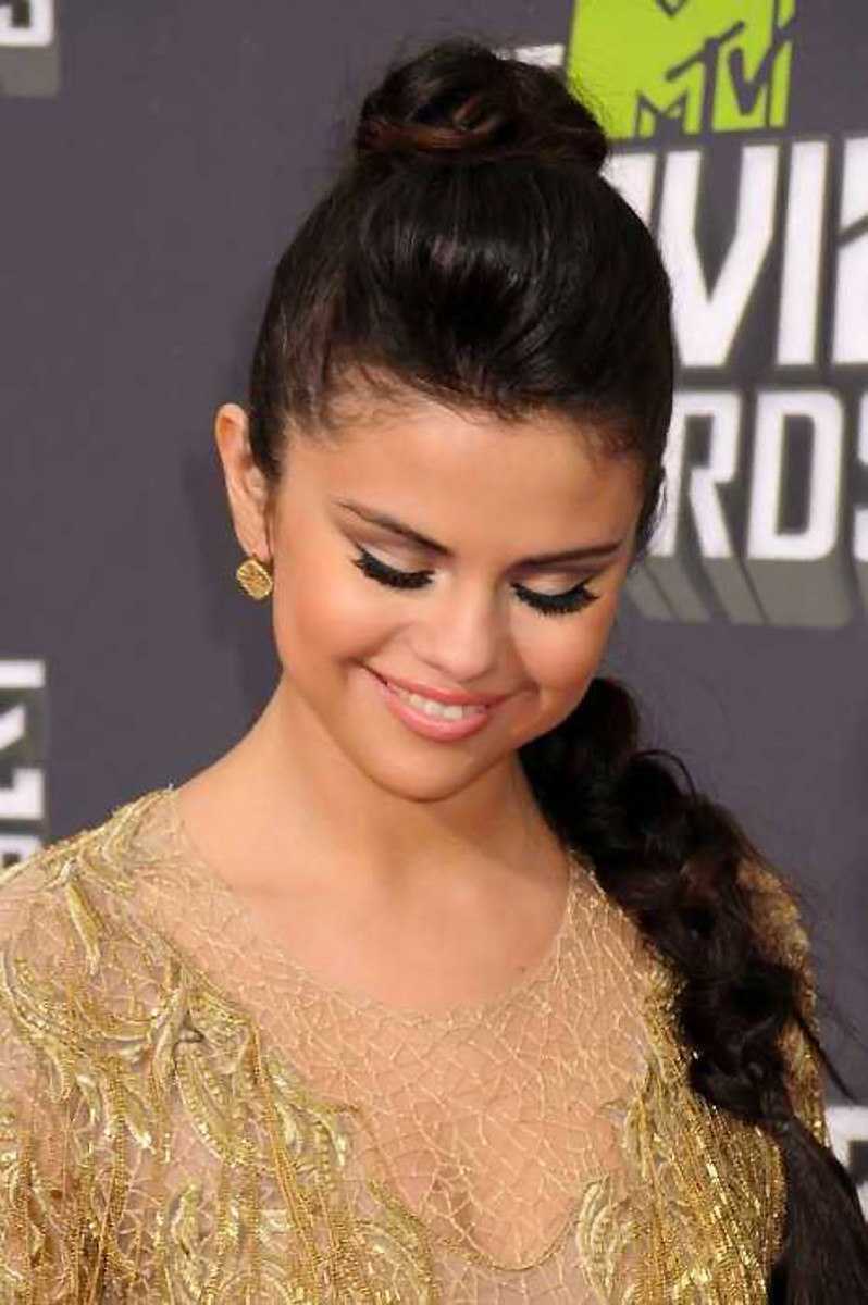 Selena Gomez at the 2013 MTV Awards