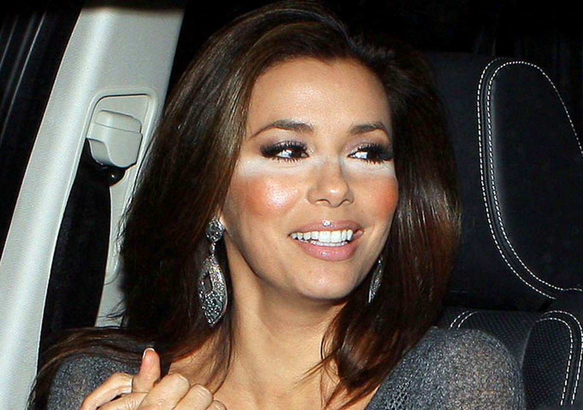 Eva Longoria white powder
