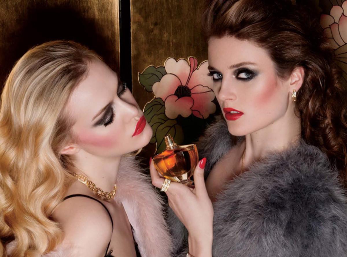 Dress to Kill_Rive Gauche image crop_makeup by Chanel pro Julie Cusson_photo Sylvain Blais