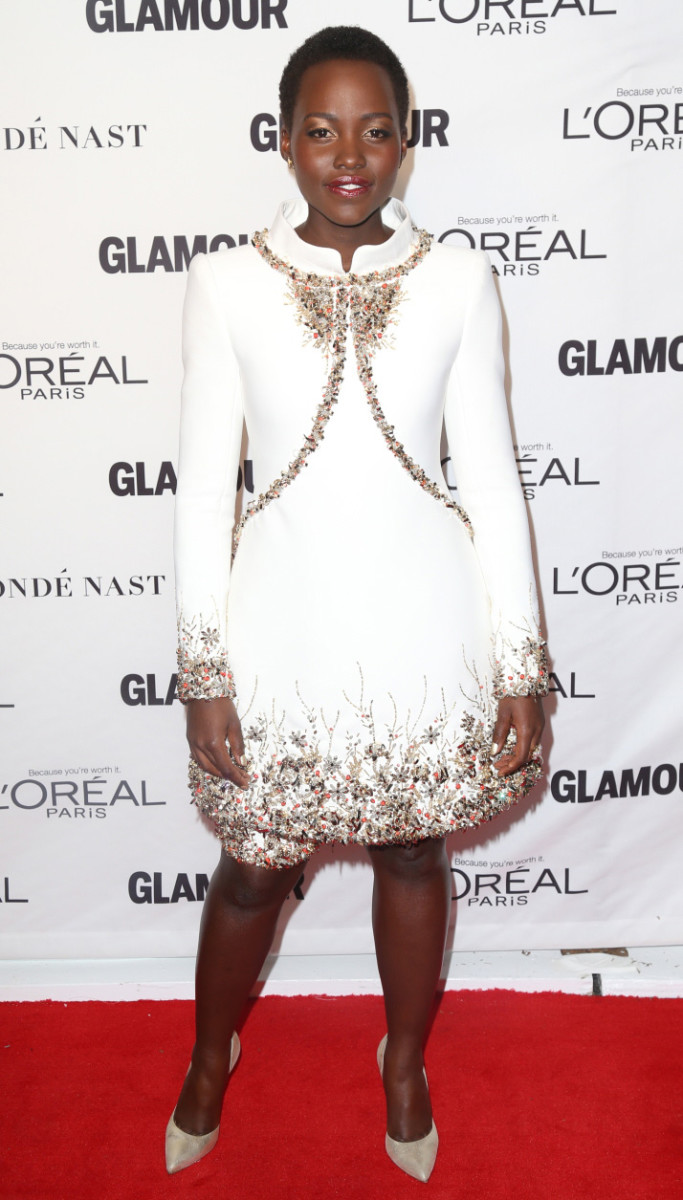 Lupita Nyongo makeup_Lancome metallic gold eyeshadow_Chanel_FFN_Awards_Glamour