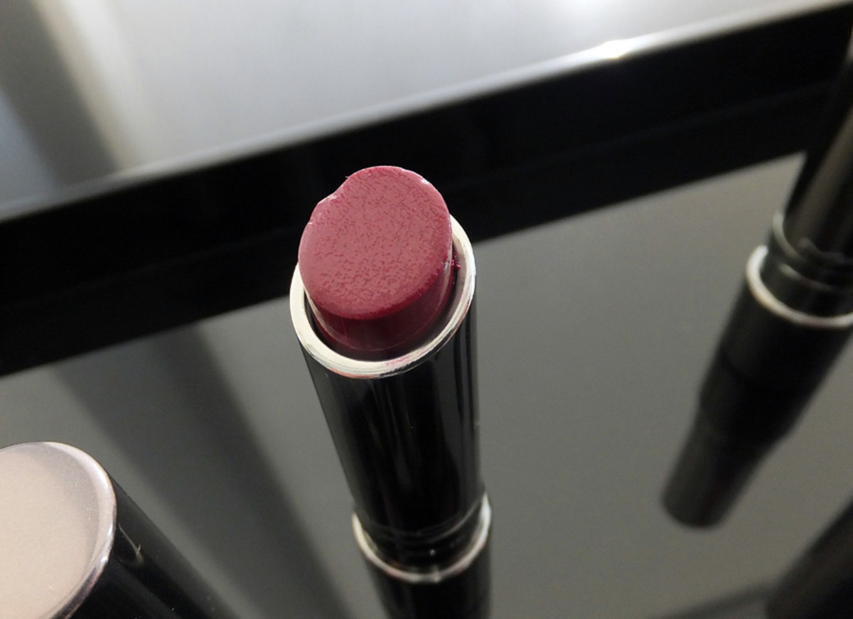 MAC Huggable Lipcolour_Commotion