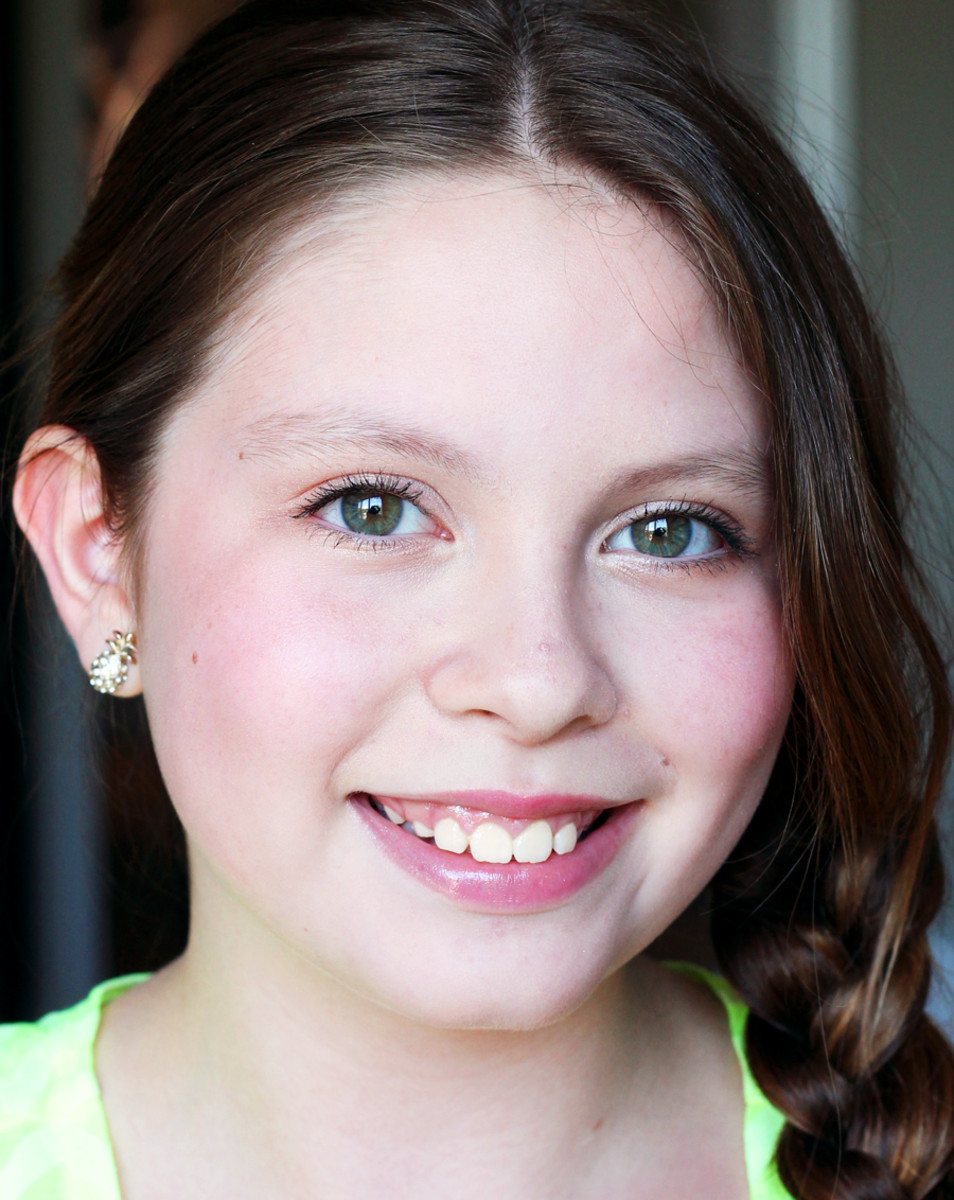 Girl Makeup: 5 Tween Makeup Rules For Your Little Girl