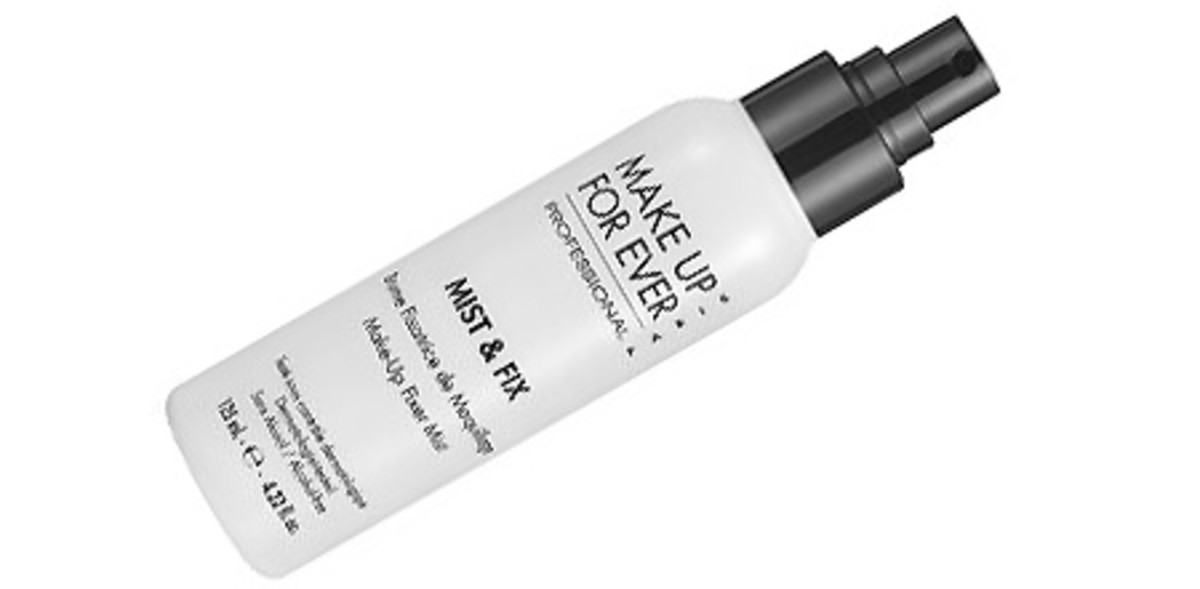 Melt-proof your face: fix spray