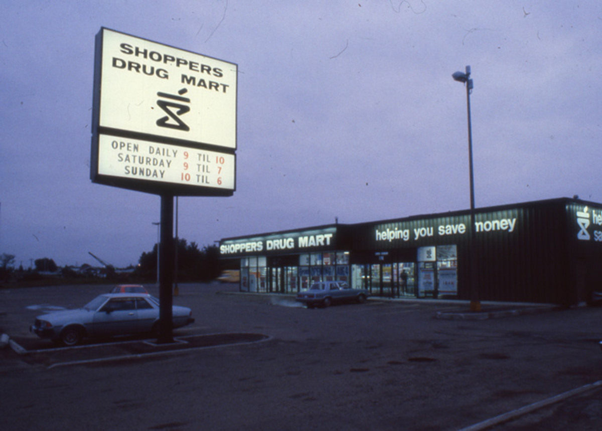 Vintage image 1968 - SDM store front with sign