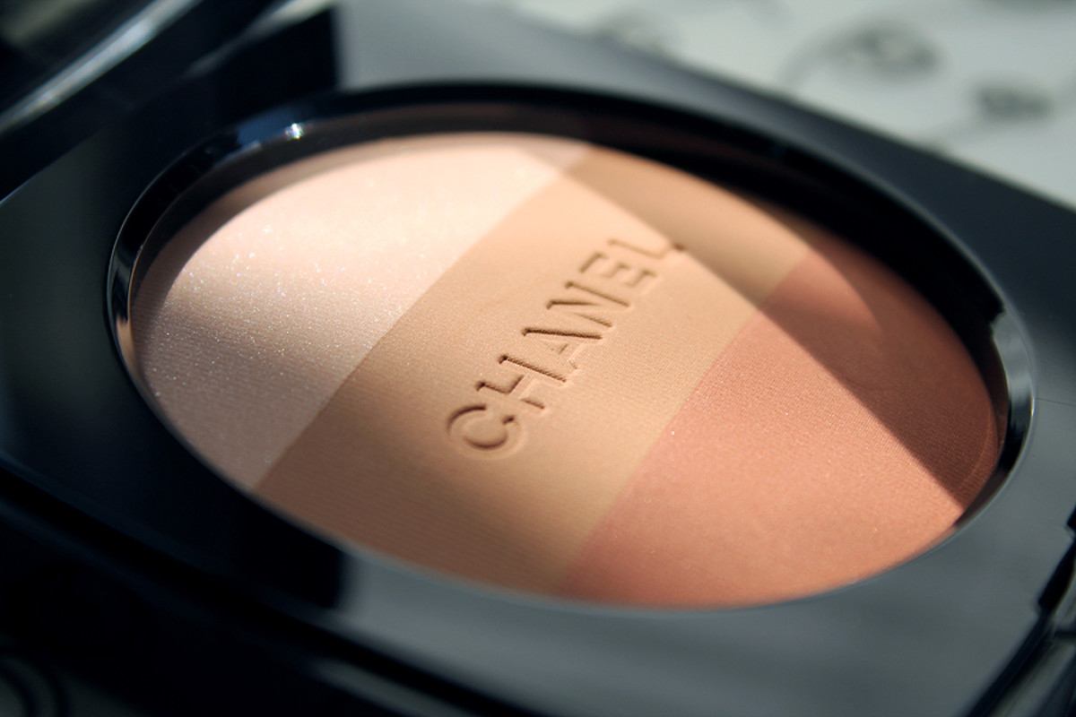 Chanel Summer_Chanel Les Beiges Healthy Glow Multi Powder 02 SPF 15