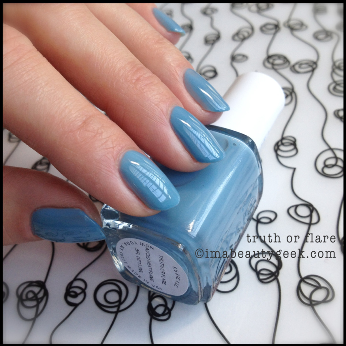 Essie Truth or Flare Hide Go Chic_1