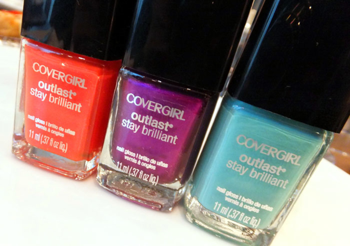 CoverGirl Outlast Stay Brilliant Nail Gloss_Go Go Mango_Grape Vine_Mint Mojito