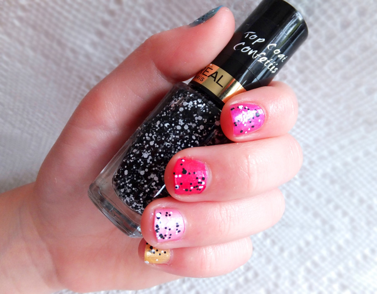 Lauren_L'Oreal Paris Color Riche Top Coat in Confetti_in Canada it's L'Oreal Paris Colour Riche Top Coat in The Sparklicious