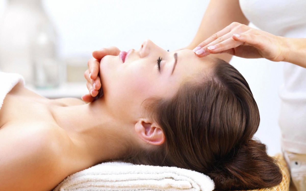 oxy trio facial_stock facial treatment image