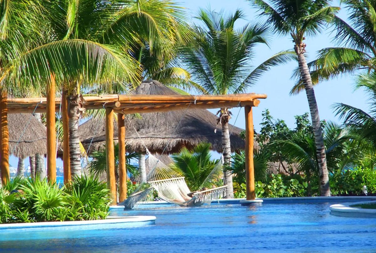 Excellence Playa Mujares_pool hammock