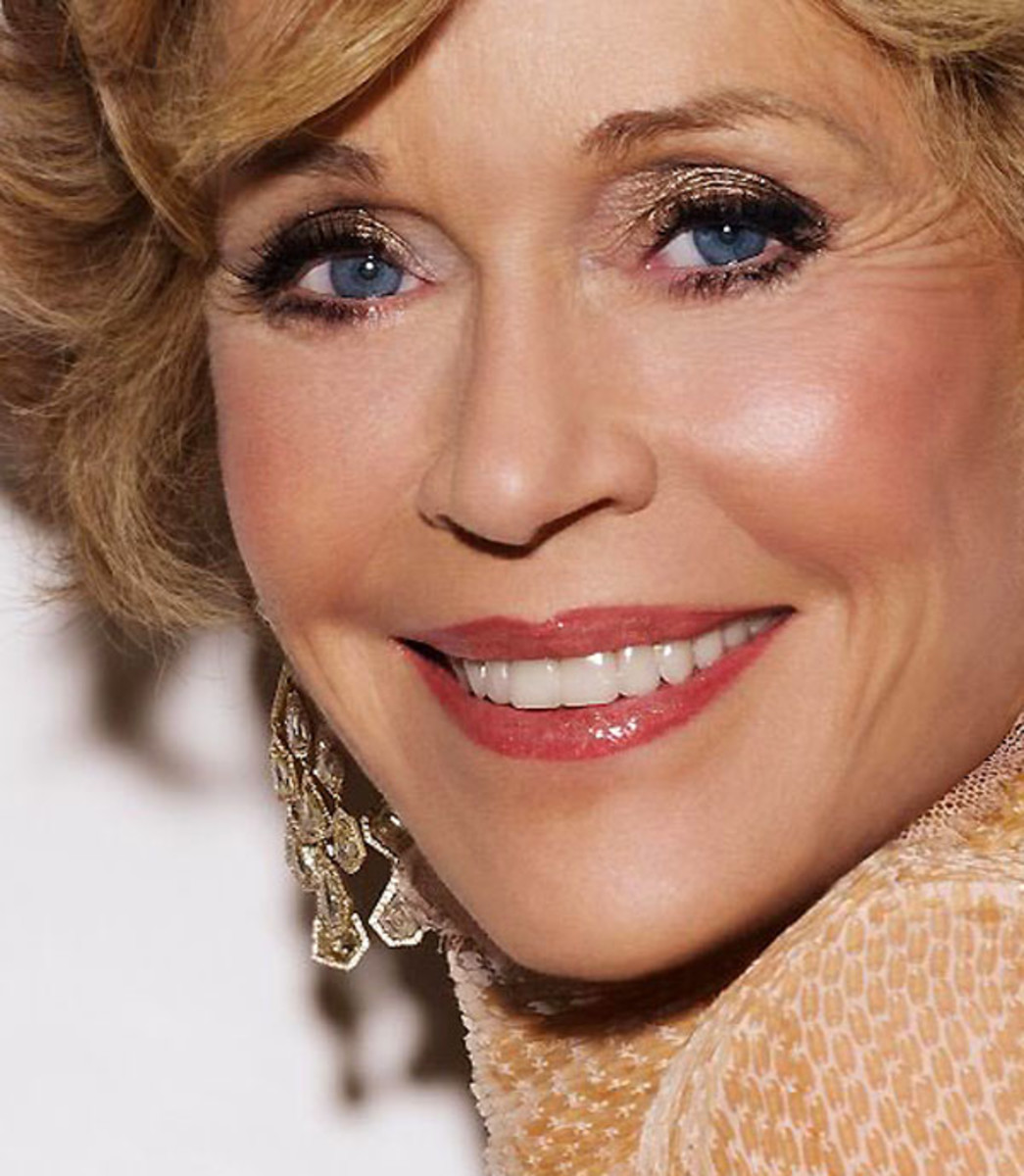 Jane Fonda_shimmer eye shadow_get the look_crop