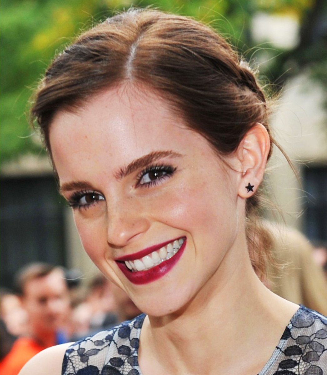 Emma Watson TIFF 2012 Perks of Being a Wallflower red carpet deep berry lips.jpg