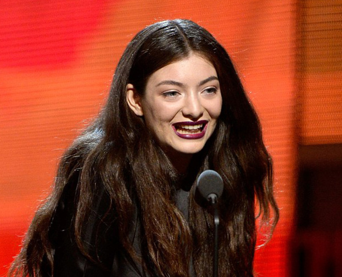 Lorde's lipstick at the Grammys_Lorde lip color Grammys_Lorde lipstick_image via DailyMail.co.uk