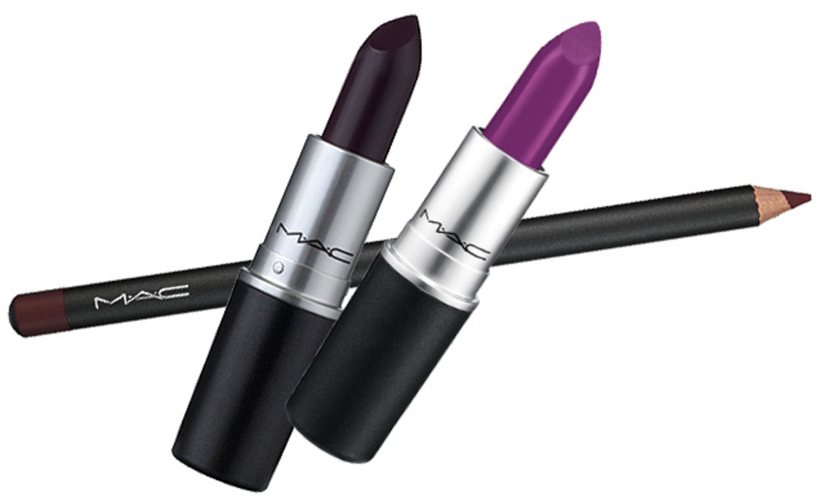 Lorde's lipstick at the Grammys_Lorde lip colour_Lorde Grammy Awards 2014_MAC Vino lip liner_MAC Cyber lipstick_MAC Heroine lipstick