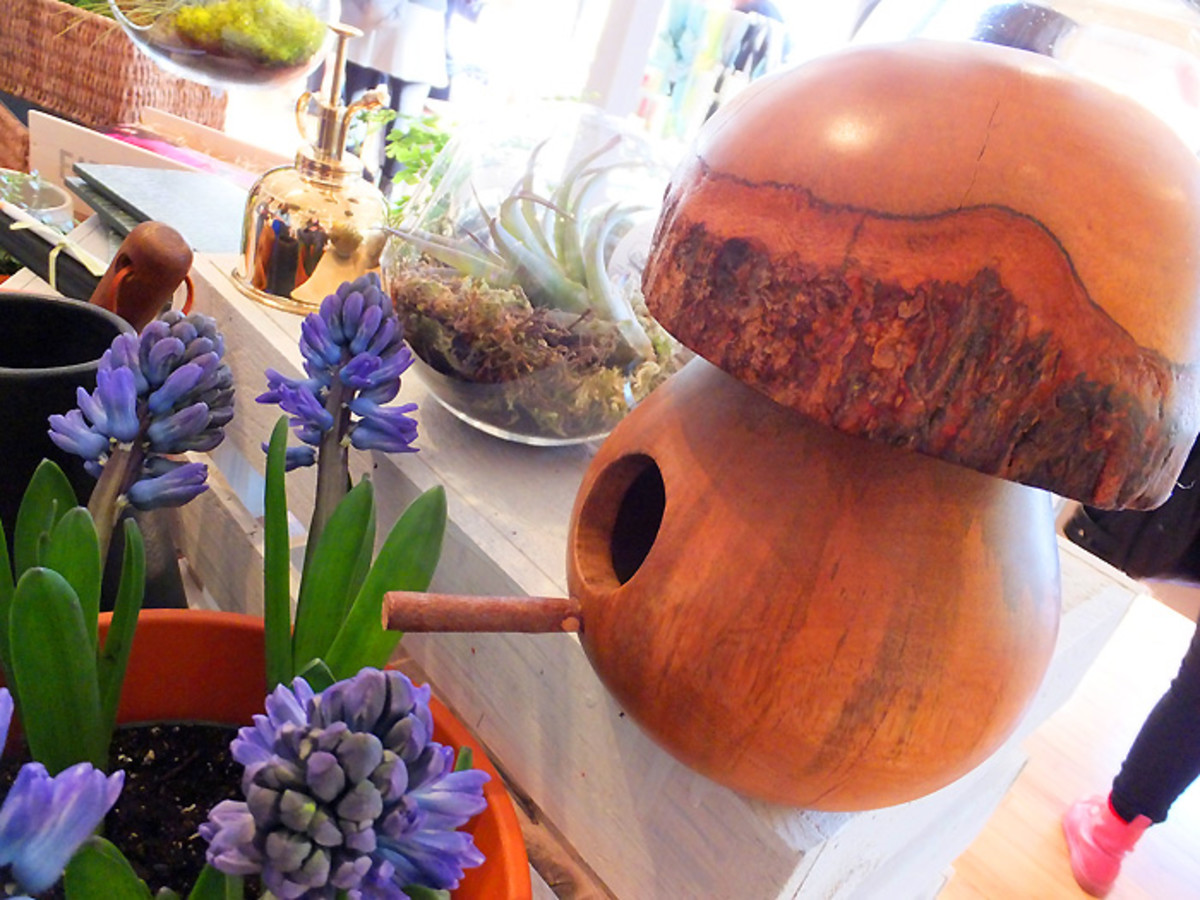 BEAUTYGEEKS: Indigo Spring 2013 preview_mushroom bird feeder