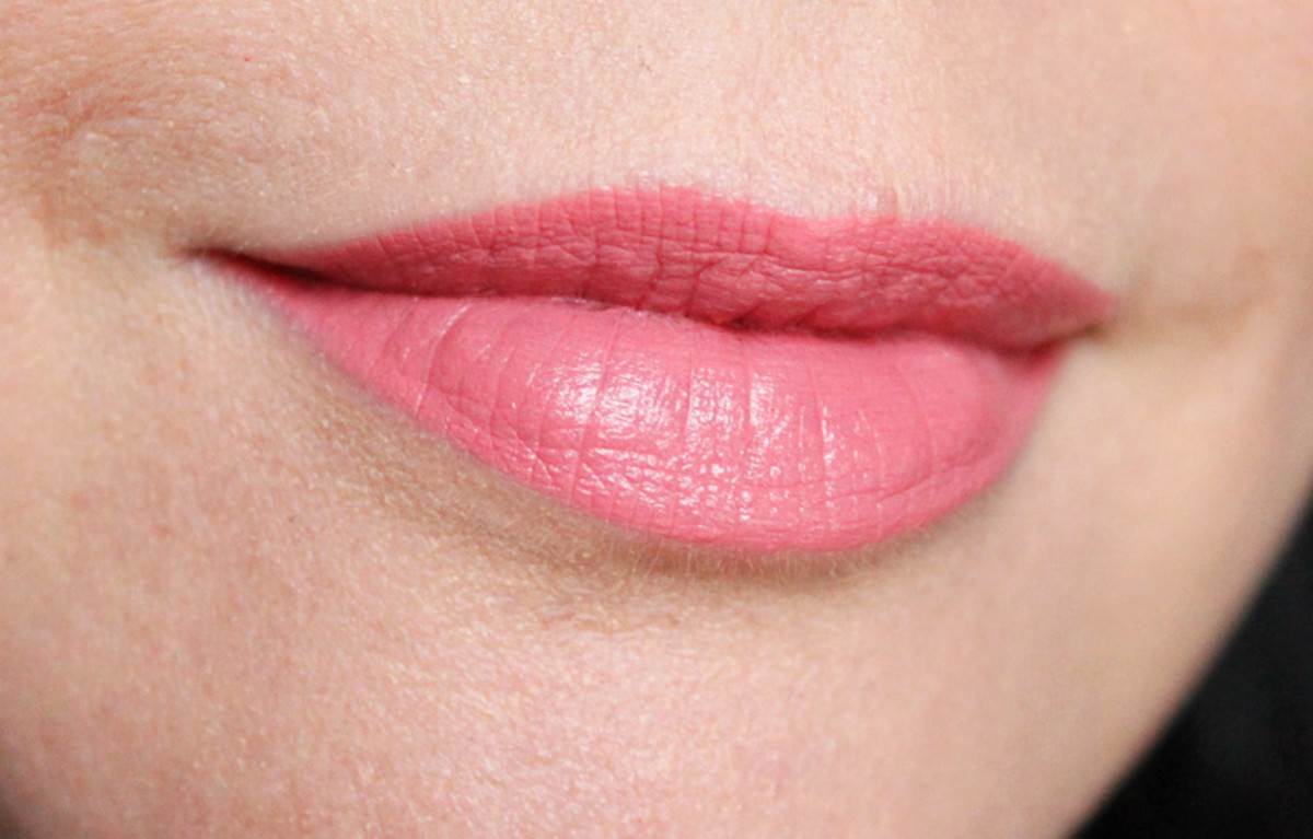 Essence Stay Matt Lip Cream in Velvet Rose