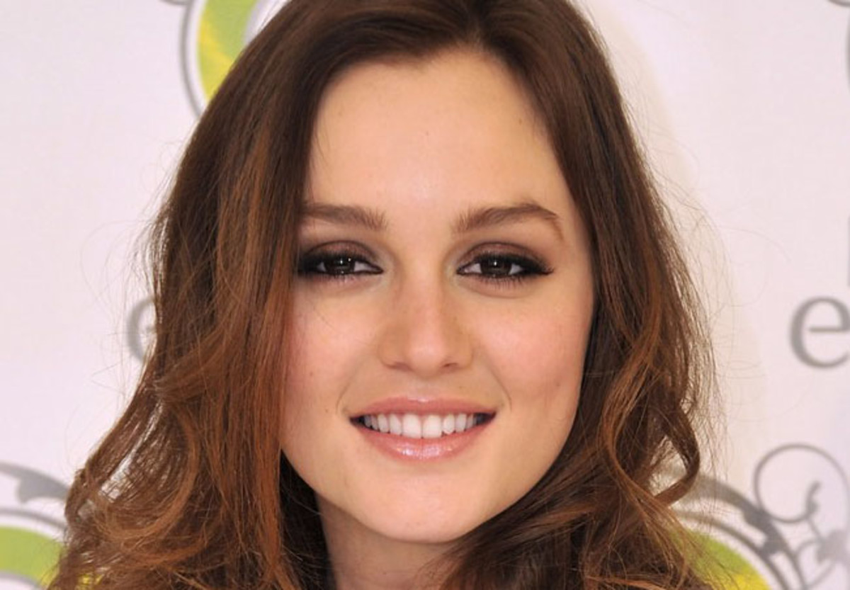 Leighton Meester: smoked-up eye makeup via black liner