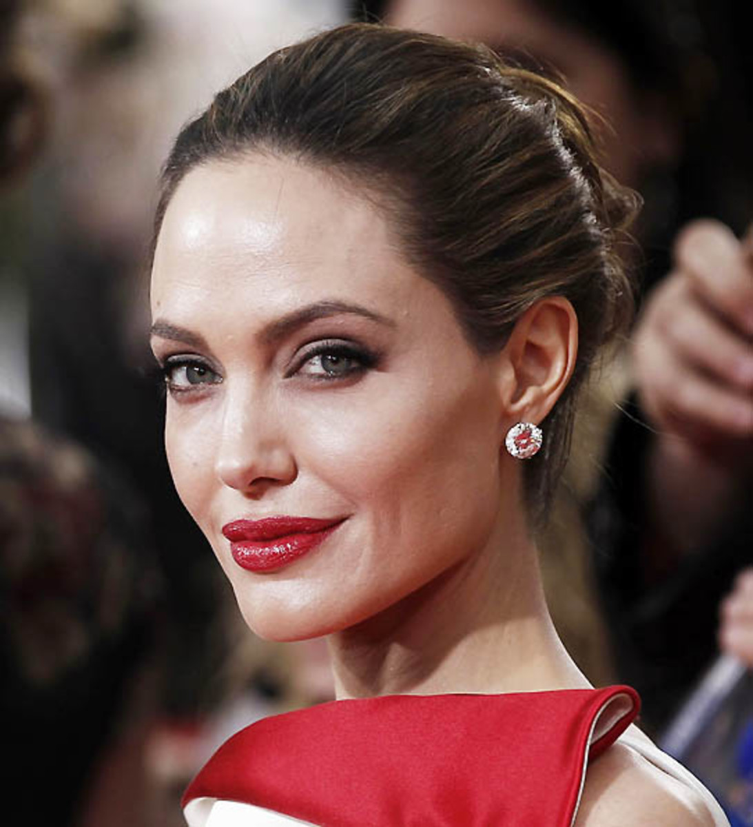 Angelina Jolie Golden Globes makeup