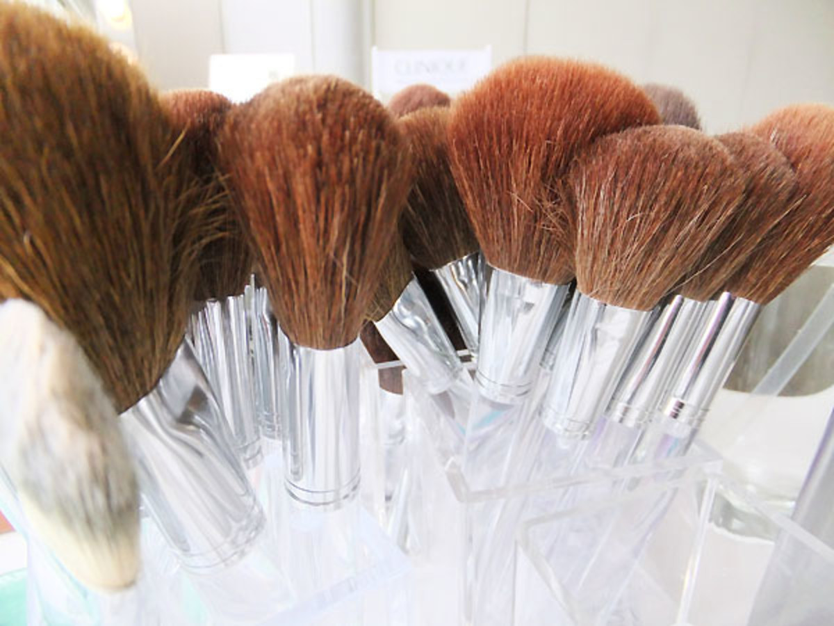 Clinique makeup brushes