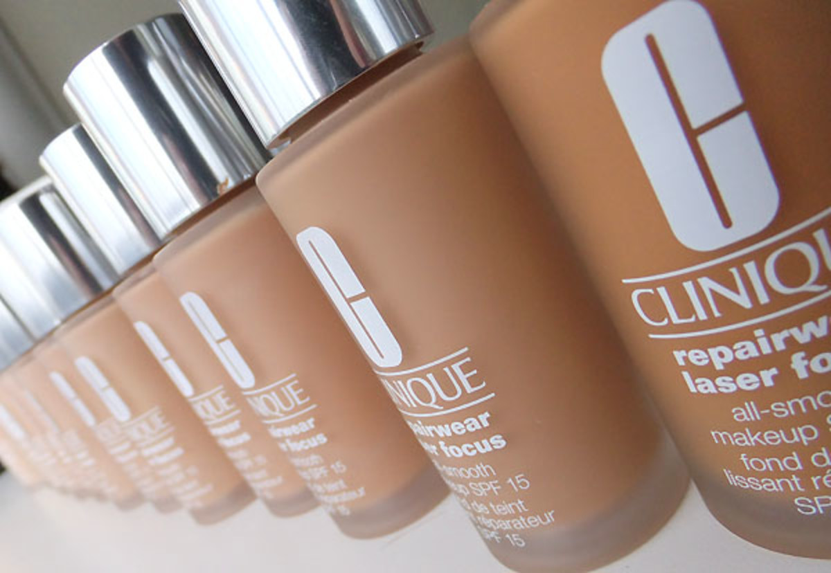 Clinique Repairwear Laser Focus All-Smooth Makeup SPF 15 foundation
