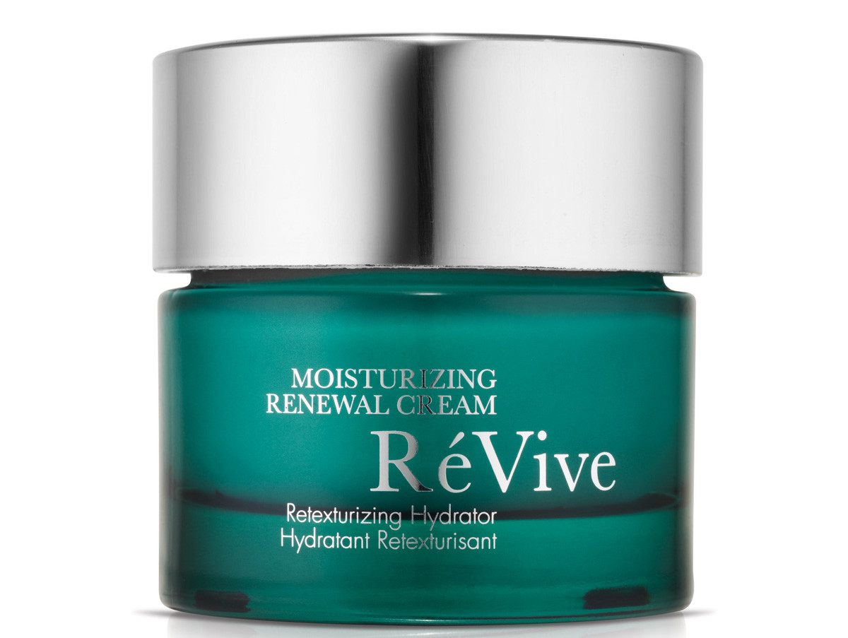 Anna Kendrick_Into the Woods premiere_ReVive Moisturizing Renewal Cream.jpg