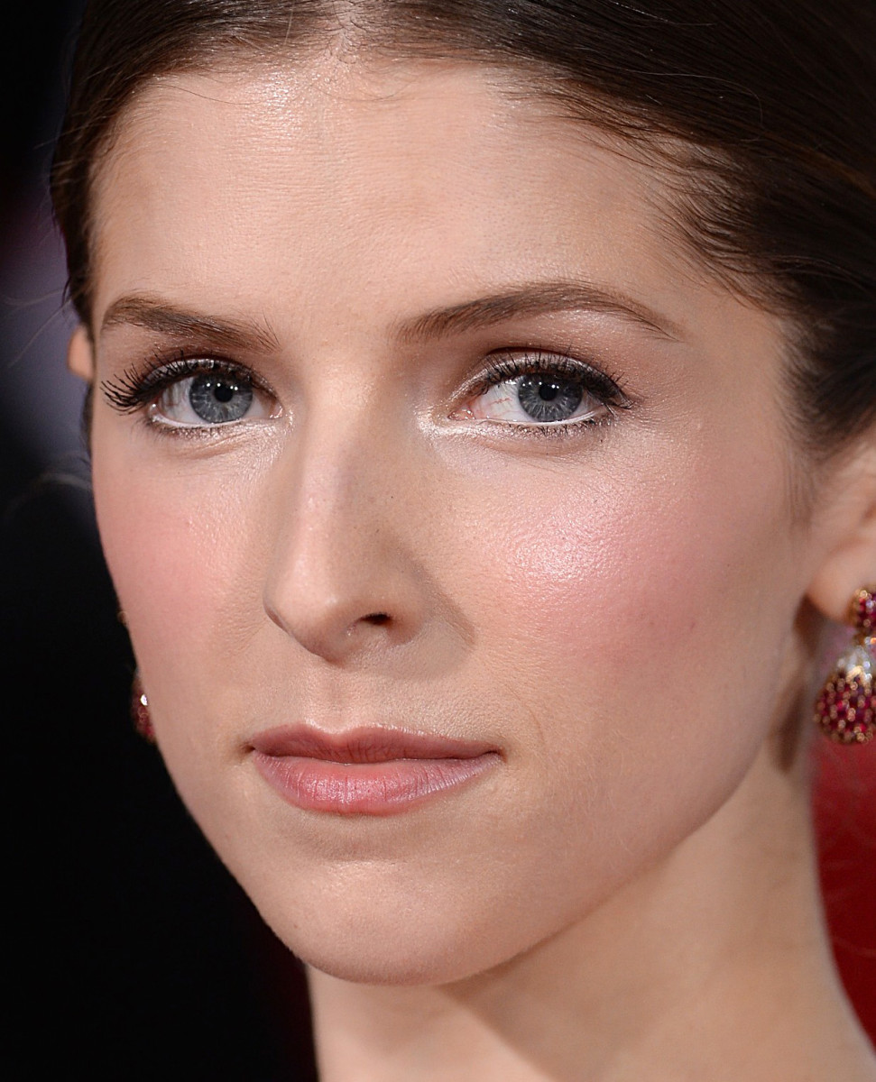 Getting married? Pin this! Anna Kendrick's Golden Globes 2015 makeup is ideal for brides.