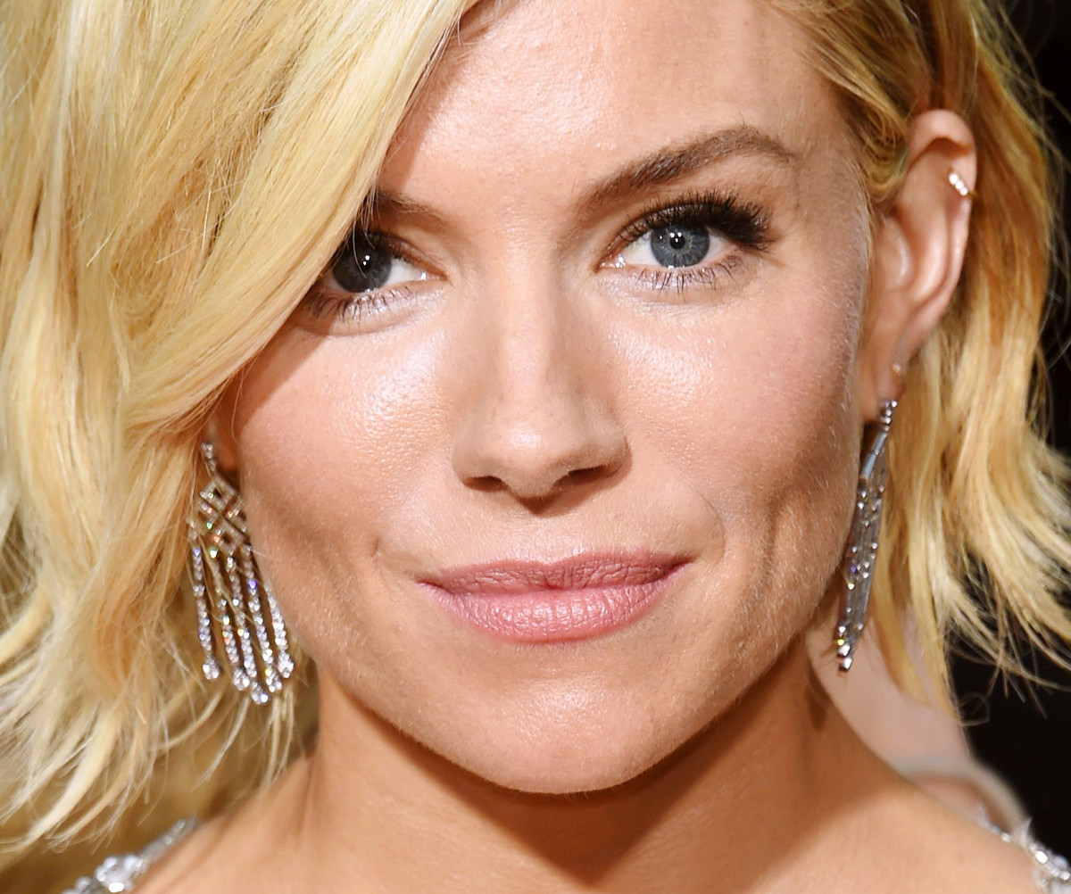 Sienna Miller makeup Golden Globes 2015_makeup Charlotte Tilbury