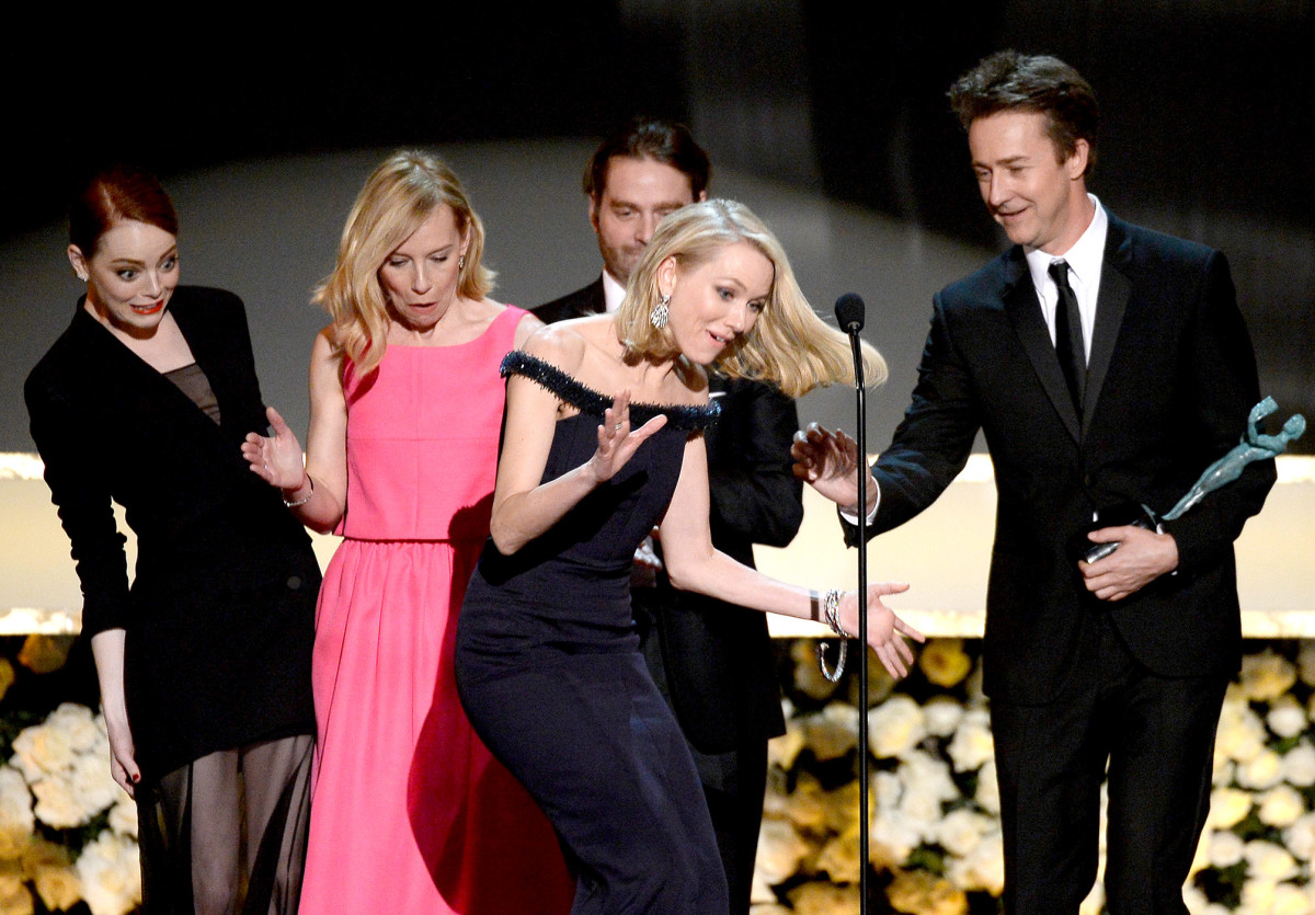 emma stone and naomi watts sag awards 2015.jpg