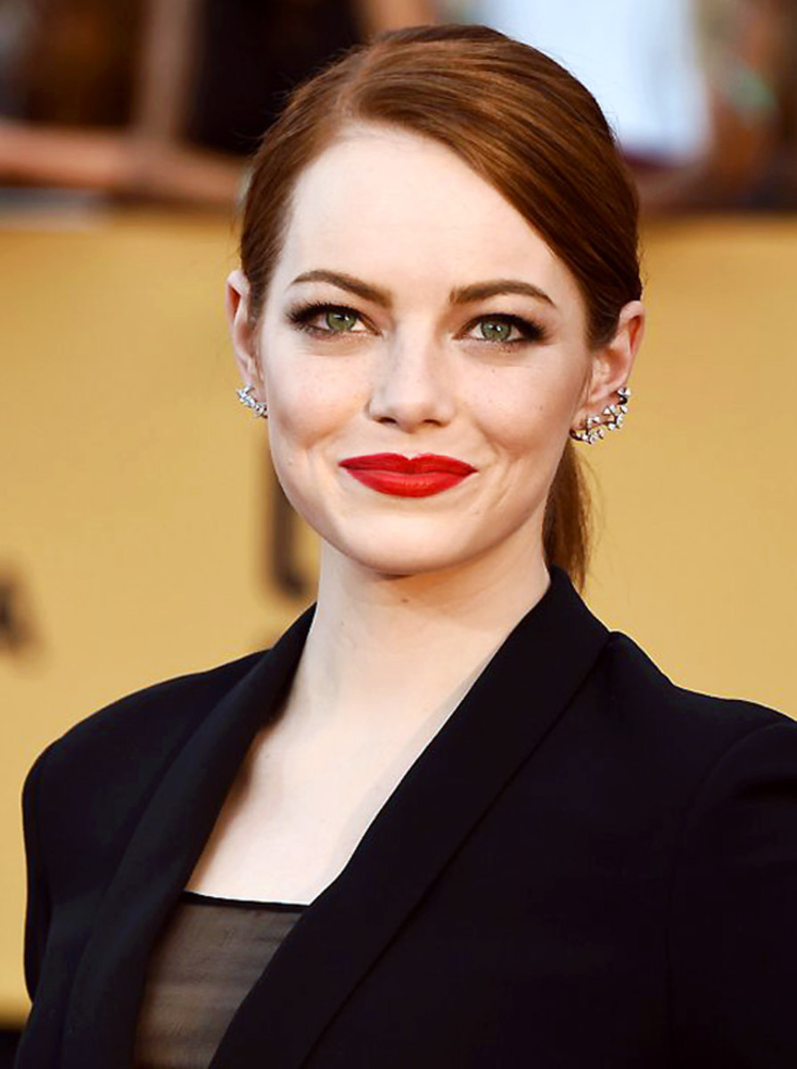 Emma Stone SAG Awards 2015 power lips and brows