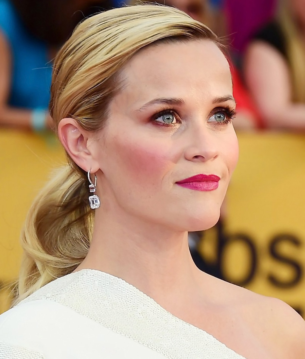 Reese Witherspoon SAG Awards 2015 makeup for blue eyes_red carpet makeup