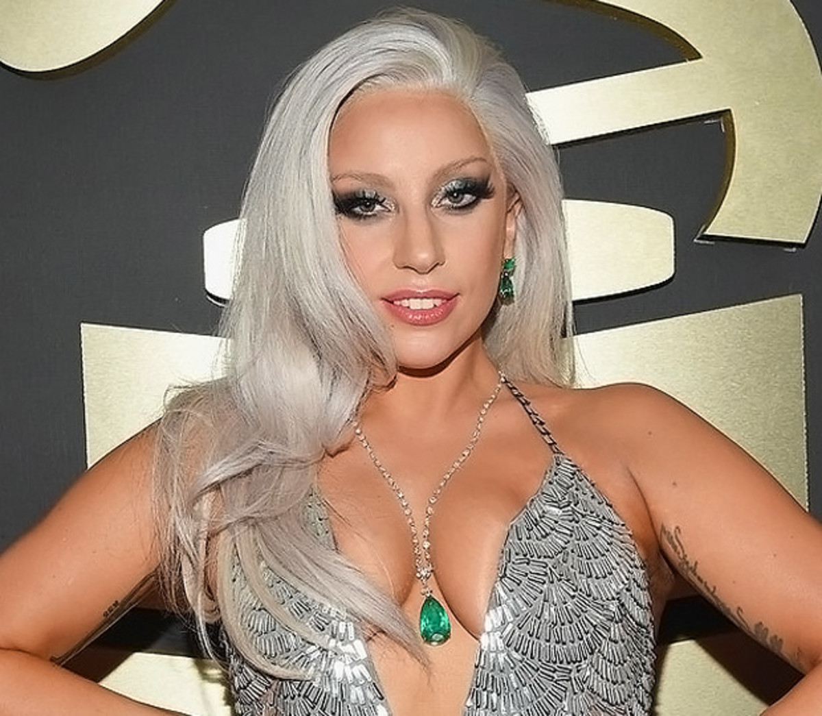 Lady Gaga_makeup_2015 Grammys