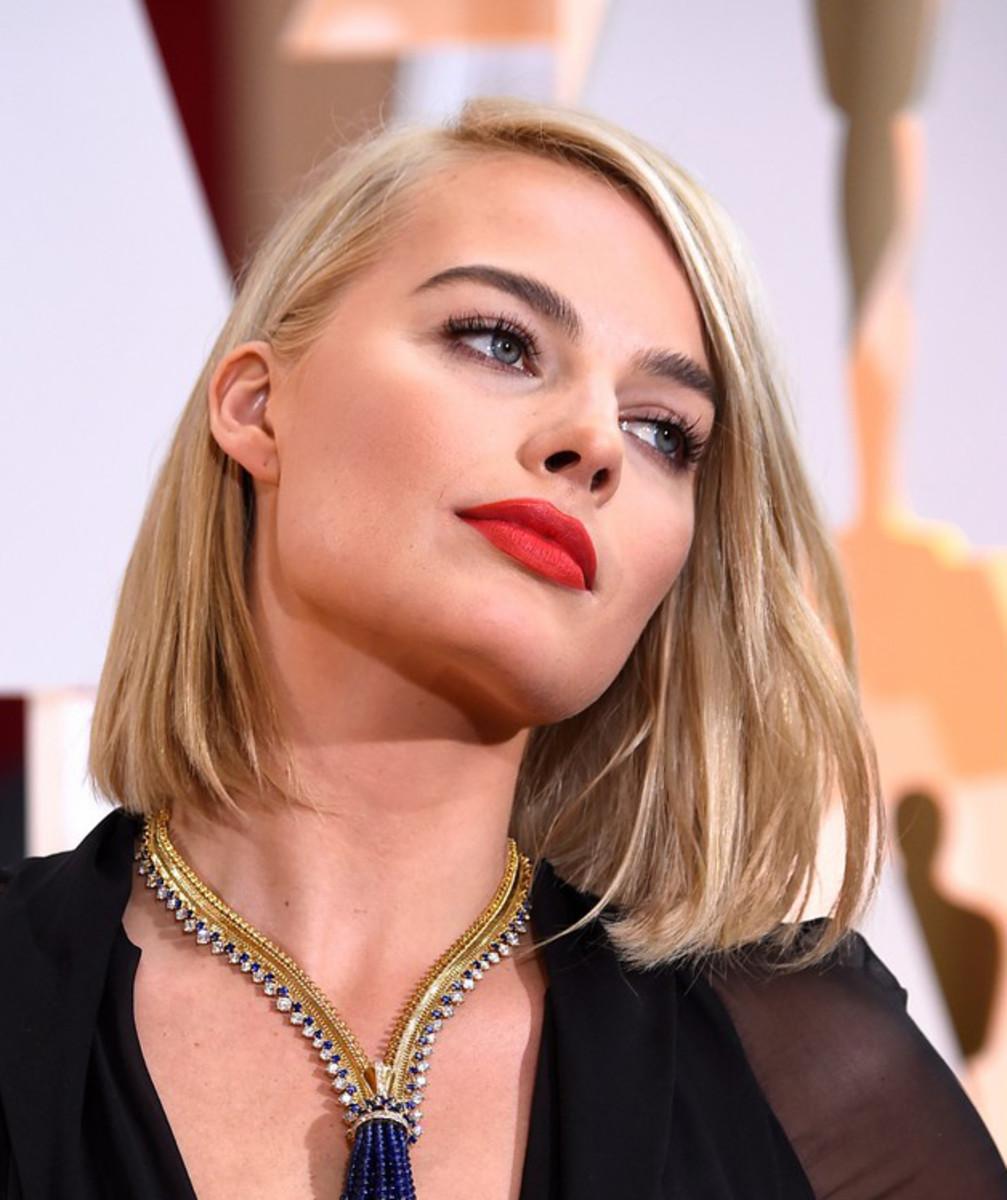 Margot Robbie Oscars 2015 red lip