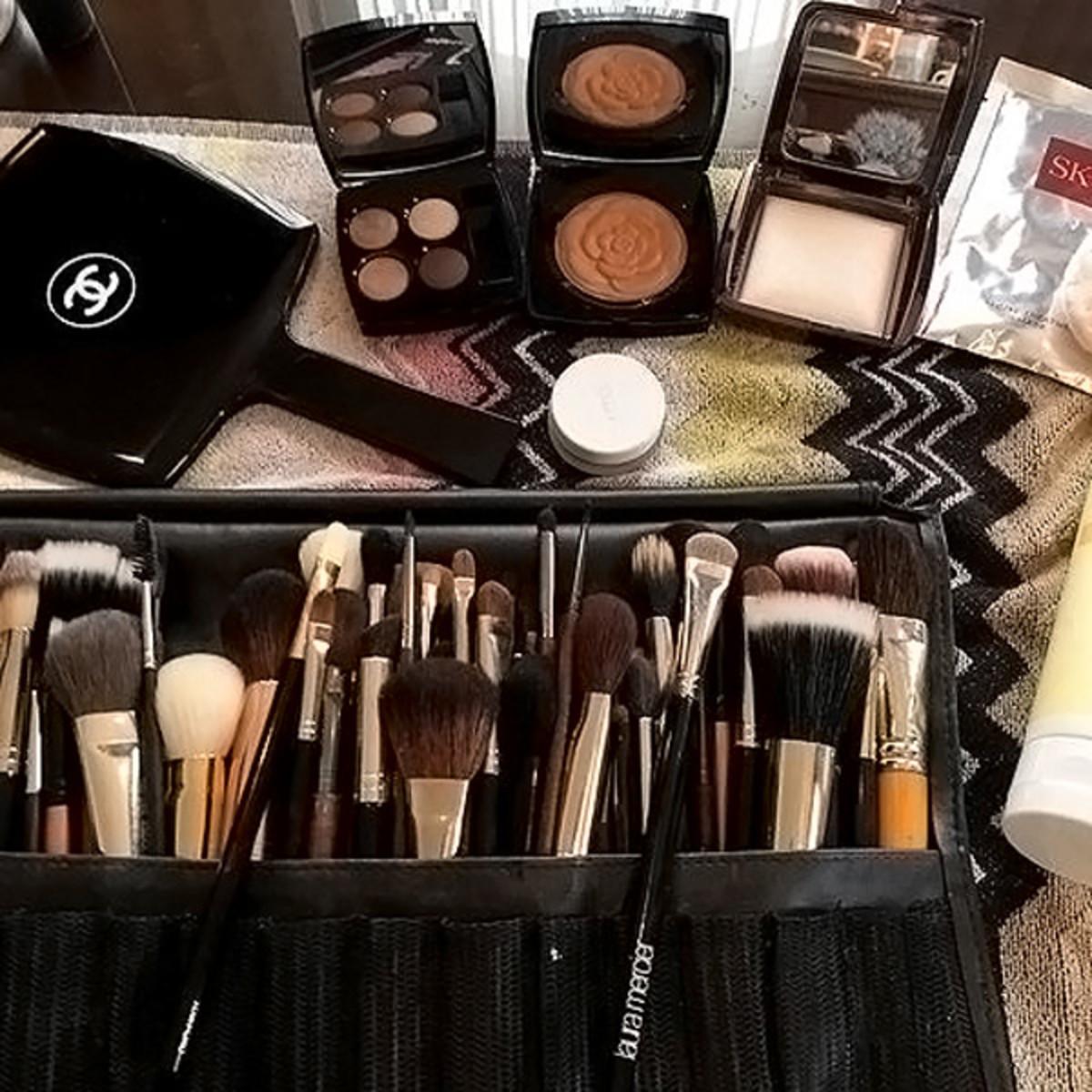 Emma Stone 2015 Oscars_makeup artist Rachel Goodwin's kit
