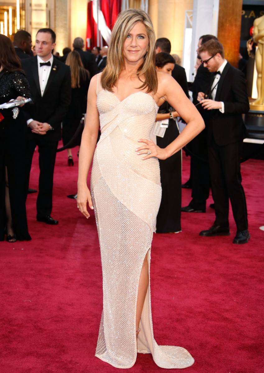 Jennifer Aniston doing her Jennifer Aniston thing on the 2015 Oscars red carpet