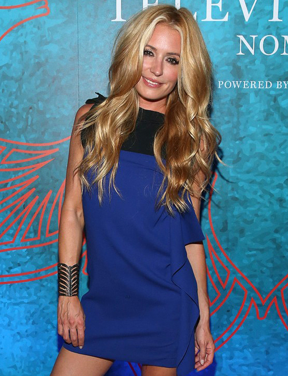 cat deeley set her hair on fire_but not at the variety pre-emmys party