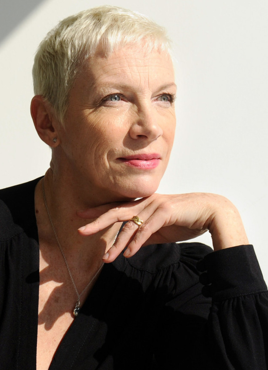 Annie Lennox no retouching please_Photo by Wally Skalij / Los Angeles Times via the latimes.com: Annie Lennox Makes the Past Her Own on Nostalgia